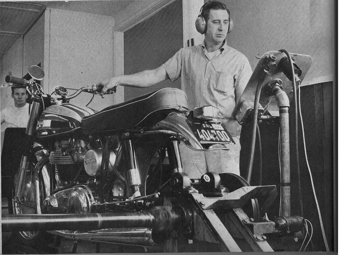 Axe and Norton on the dyno1200.jpg