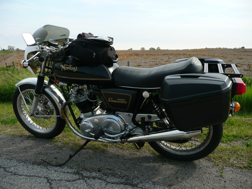thomases saddle bag norton.jpg